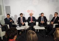 E-auta: biznes dla energetyki, zagrożenie rafinerii
