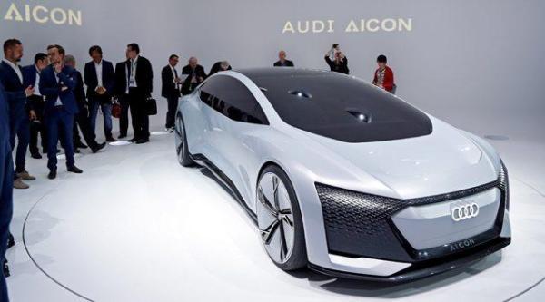 Kolejny z konceptów, Audi Aicon, ma mieć zasięg ponad 650 km