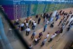 Okęcie obsłużyło w I półroczu 8 mln pasażerów. Tym samym powoli zbliża się do granicy przepustowości, która wynosi około 20 mln podróżnych w skali roku.