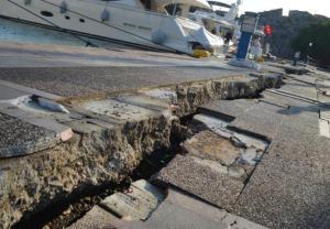 W trzęsieniu ziemi na wyspie Kos najbardziej ucierpiała jej stolica, miasto Kos