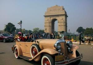 Hindusi przesiedli się do zabytkowych aut