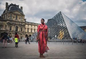 Amerykanin, Niemiec, Chinka, Wietnamka..., czyli turysta w Paryżu. Kto jest skąd?