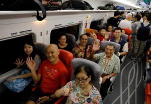 Ruszył superszybki pociąg z Hongkongu do Chin