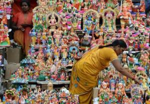 Dziesięcioręka Durga broni Hindusów przed demonami