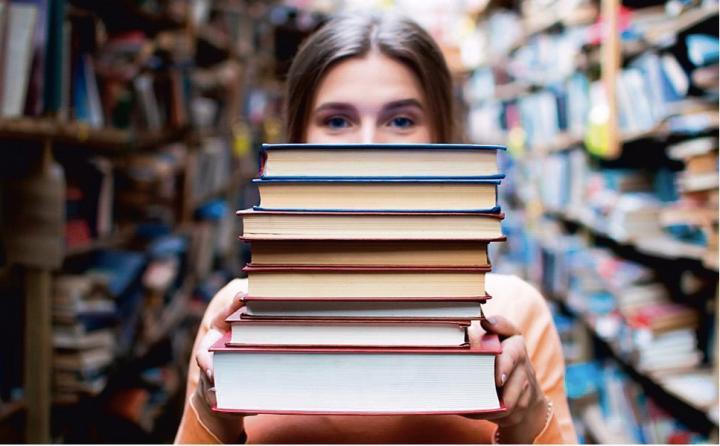 Od połowy marca do końca listopada nasze wydatki na książki wzrosły o 28 proc.  W przypadku e-booków wzrost sięgnął 50 proc.  Fot. Shutterstock