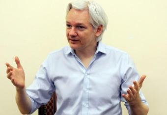 Sąd apelacyjny utrzymał nakaz aresztowania Assange'a