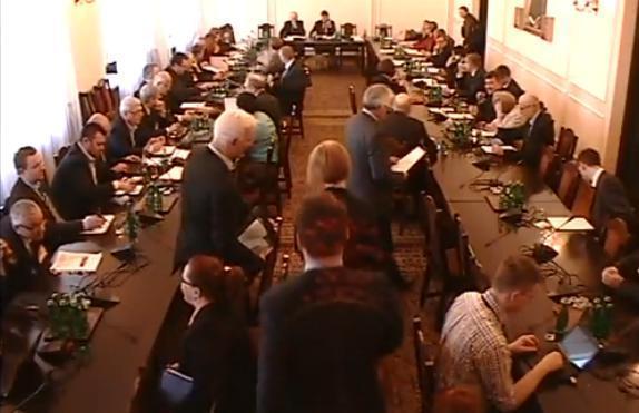 Kamery zarejestrowały rosyjskiego szpiega w Sejmie