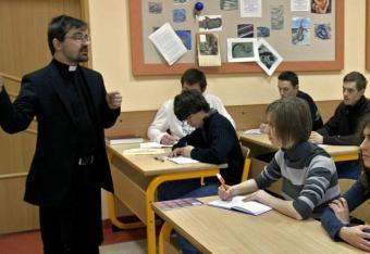 Łódź: Masowy odpływ z katechezy