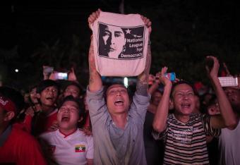 Suu Kyi zaprasza przywódców państwa do rozmów