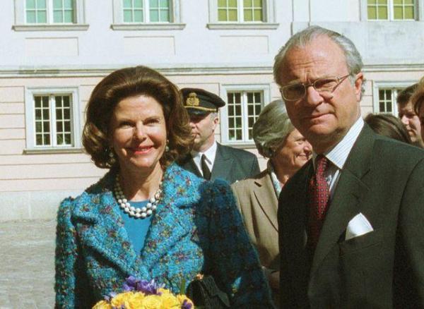Król Karol Gustaw i królowa Sylwia podczas wizyty w Polsce, 2002 r.