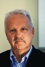 gen. brygady Sławomir Petelicki  – twórca i dwukrotny dowódca Jednostki Wojskowej GROM