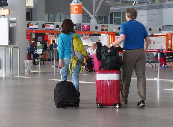 Betlej: Z biur podróży wyparowało 90 mln złotych