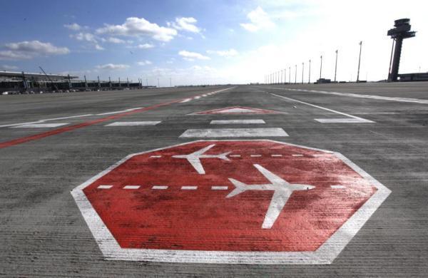 Pełnomocnik rządu zbuduje centralne lotnisko
