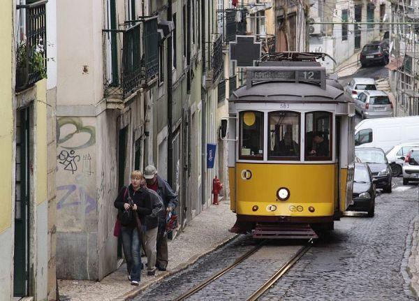 Mniej Polaków w Portugalii