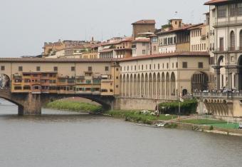 Jest przejście między Palazzo Vecchio a Uffizi