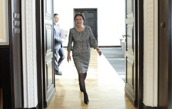 Ewa Kopacz robi porządki w resortach i stawia na koleżanki