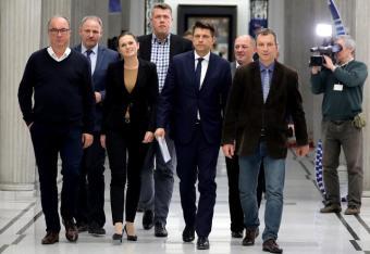 Opozycja tańczy tak, jak gra prezes Kaczyński