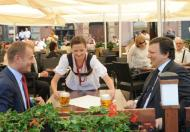 Premier - piwko z Barroso. Prezydent - piwko z Merkel