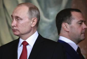 Putin idzie śladami starszego przyjaciela