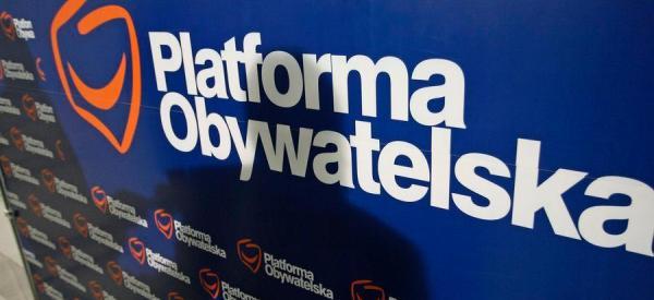 PiS goni Platformę
