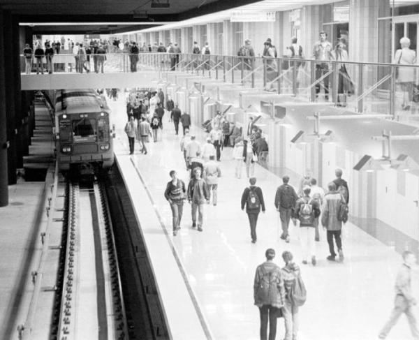 Otwarcie stacji metra A13