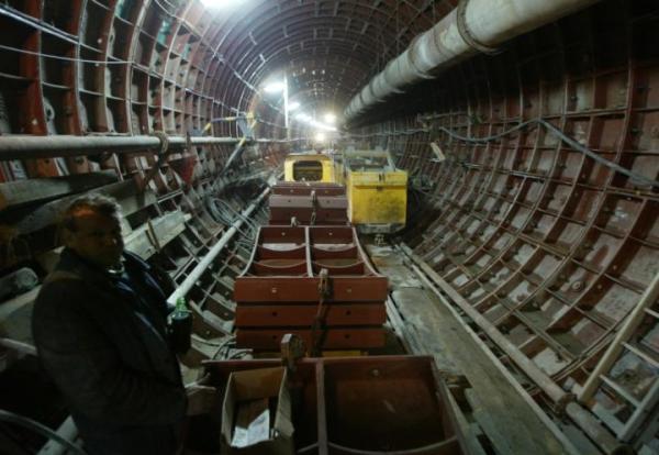 Górnicy kopią tunel pod placem Wilsona