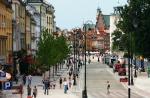 Krakowskie Przedmieście stało się w końcu salonem Warszawy. Teraz czas zrobić porządek na zaniedbanym pl. Defilad