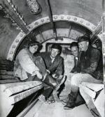 Budowa metra w latach 50. Z prawej inż. Twardo w śluzie prowadzącej do tunelu pod Wisłą