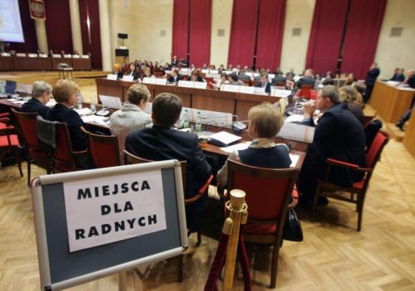 3. Radzie Warszawy - żeby mniej się kłóciła, a w końcu czemuś zaradziła