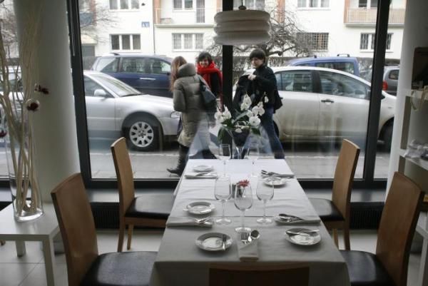 23. Restauracjom - żeby nie zawitał do nich opisywany przez nas Głodomór z Płocka