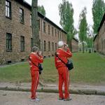 """*Roger Cremers, """"Zwiedzający w Auschwitz-Birkenau"""",  I nagroda w kategorii """"Sztuka i rozrywka"""""""