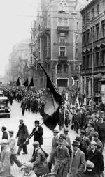 *Jeszcze jest spokój na ulicach, ale ten 1 maja 1931 roku skończy się tak jak i poprzednie – bijatyką