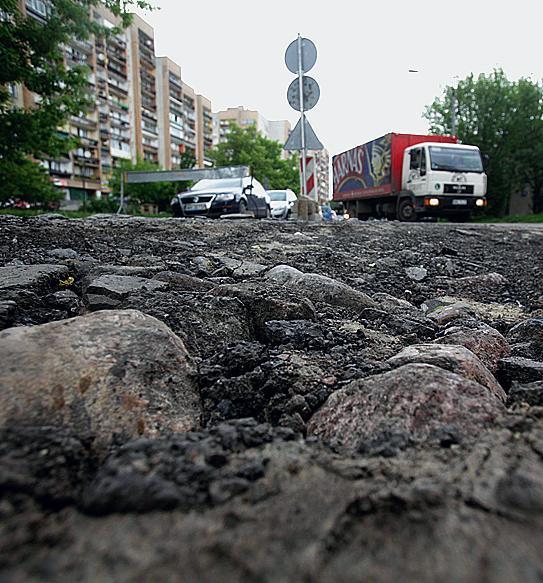 Robotnicy skuli niemal w całości bruk przy  ul. Białostockiej