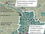 Szybką koleją między dwoma lotniskami. Z terminalu Modlin mamy docelowo dojeżdżać pociągami SKM aż do Lotniska Chopina. Tam trwa budowa dwukilometrowego tunelu między przystankiem PKP Służewiec a Terminalem 2 za 234 mln zł. Ma być gotowy w połowie 2011 roku.