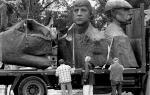 Monument  jedzie  do Rudy Śląskiej kilkoma transportami