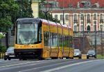 32 takie tramwaje Swing mają jeździć na Tarchomin. UE zgodziła się na dofinansowa-nie zakupu. Mieszkańcy boją się, że oprócz swingów wjadą tu hałaśliwe gruchoty z lat 70. ub. wieku
