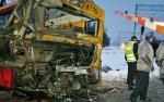 Pociąg w momencie uderzenia w autobus mógł poruszać się nawet z prędkością 100 km/h