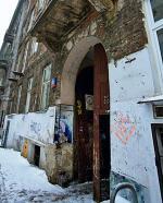 *Budynek przy ul. Wilczej 30.  należy od pięciu lat do prywatnych właścicieli. Miasto uwzględniło ich roszczenia i oddało dom
