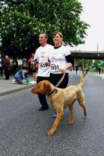 *Sebastian i Karolina Grzywaczowie wraz z psem Rollem na trasie