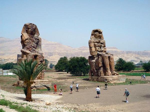 *Egipskie zabytki wreszcie można zwiedzać  bez tłoku