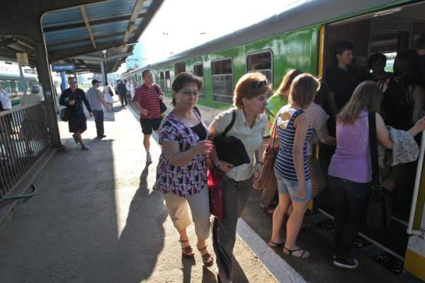 Codziennie linią średnicową jeździ 750 pociągów podmiejskich i dalekobieżnych
