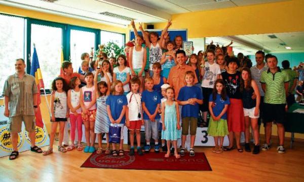 *Zbiorowe zdjęcie nagrodzonych w XV edycji Grand Prix Ursynowa  w Pływaniu