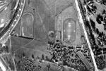 Zdjęcie lotnicze z końca lat 30. – po prawej ulica Zieleniecka ze stadionem domu ludowego, a obok boisko klubu
