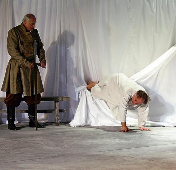 """Z """"Panem Tadeuszem"""" przyjeżdża  na Spotkania krakowski Stary Teatr   piotr guzik"""