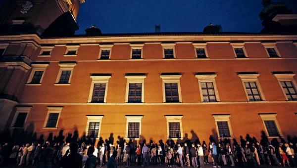 Noc Muzeów przyciąga tysiące nocnych marków