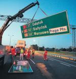 Do późnego wieczora na odcinku autostrady A2 z Konotopy  do Pruszkowa trwały ostatnie prace porządkowe, poprawiane było oznakowanie