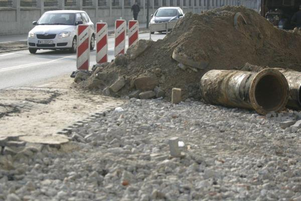 Ulica Koszykowa w czasie remontu w 2011 r.