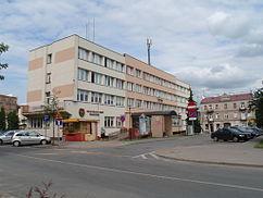 Szef piaseczyńskich struktur PO z zarzutami korupcyjnymi, a Zarząd Krajowy wyrzuca go z partii.
