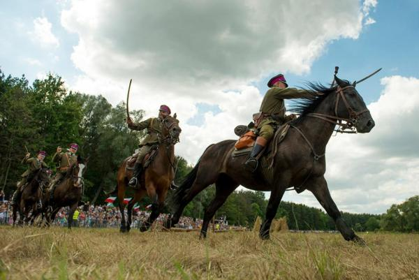 Rekonstrukcja bitwy warszawskiej w Ossowie
