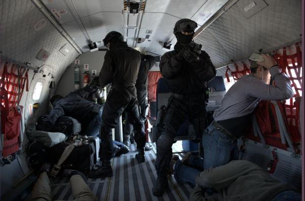 Akcja antyterrorystów w czasie porwania samolotu